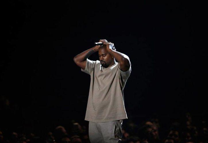 Hace algunos días, Kanye West recibió abucheos en uno de sus conciertos, luego de dar a conocer su apoyo hacia Donald Trump.(EFE)