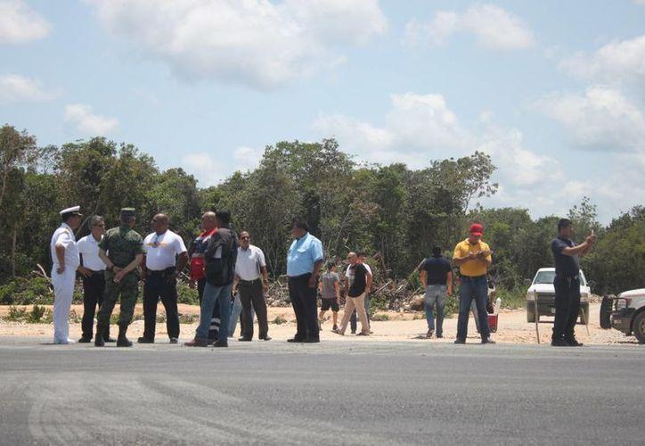 La pista se ubica a 13 kilómetros de la cabecera municipal, en el 277 de la vía Cancún-Chetumal, a la altura de Puerto Aventuras.  (Adrián Barreto/SIPSE)