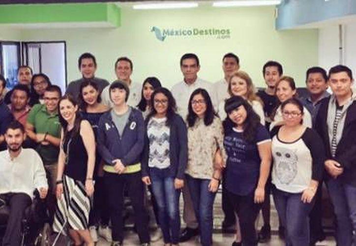 El acercamiento por parte del presidente del INADEM, proyecto una motivación para México Destinos. (Contexto/Twitter Enrique Javob)