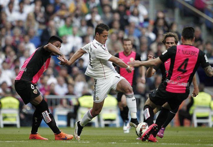 Este jueves se sabrá si el mexicano Javier Hernández, 'Chicharito', se queda una temporada más con Real Madrid o no. (Notimex)