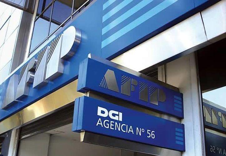La Agencia Federal de Ingresos Públicos (AFIP) desplegó a cientos de agentes para revisar unos 70 bancos. (cesgar.org.ar)