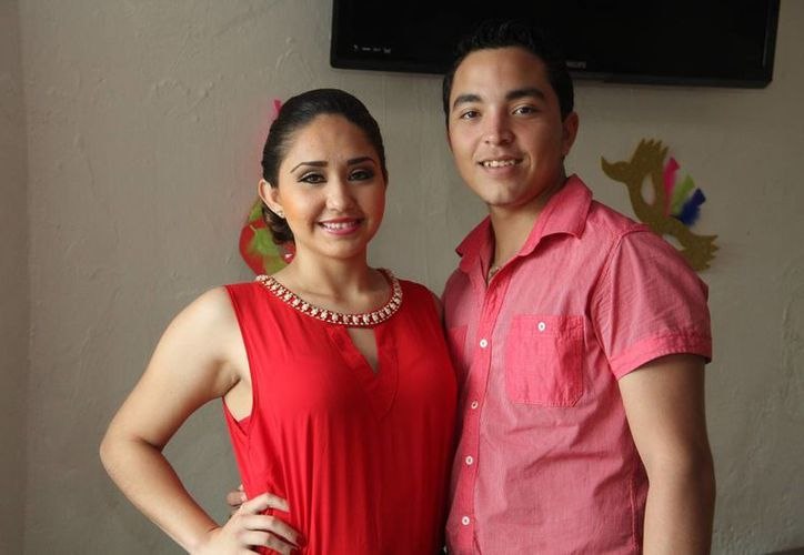 Avril Danay Álvarez Campos y Cristos Emmanuel Rosado Morales serán coronados como reyes del Carnaval de Progreso 2016 este sábado a las 20:00 horas. (Jorge Acosta/SIPSE)