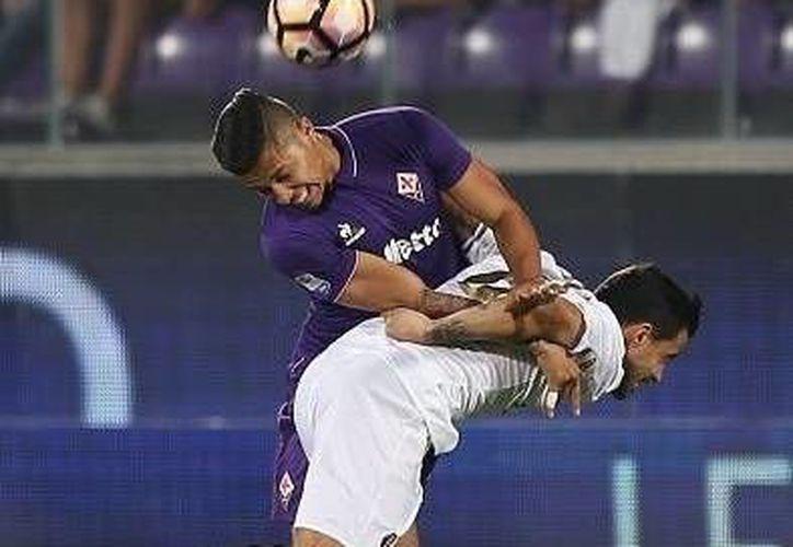 El Titán Salcedo tuvo sus primeros minutos en la Serie A como titular de la Fiorentina. (Twitter: /Csalcedojr)