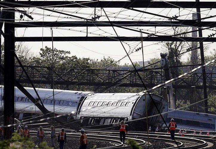 Un tren de la línea Norristown de alta velocidad que llegaba a la estación se estrelló contra otro vacío que estaba estacionado en la terminal de la calle 69 en Upper Darby. (Twitter/@rdinamica)