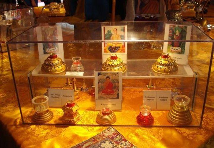 La colección de Reliquias Budistas en su mayoría son del Buda histórico, Buda Sakyamuni, nacido en el año 563 AC quien es considerado por los budistas Mahayana como el cuarto Buda de nuestra era. (Redacción/SIPSE)