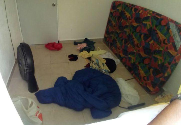 Los detenidos vivían en las casas en completo desorden. (Redacción/SIPSE)