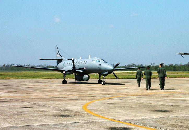 Un avión como este, un RC-26, fue el que utilizó una empresa de seguridad en Texas para monitorear movimientos sospechosos en la zona fronteriza con México. (kappa352.egloos.com)