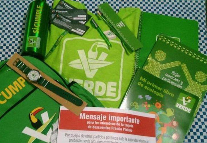 El TEPJF determinó que el PVEM podía continuar con la distribución del 'kit escolar' debido a que no violenta la norma electoral. (diariocambio.com.mx)