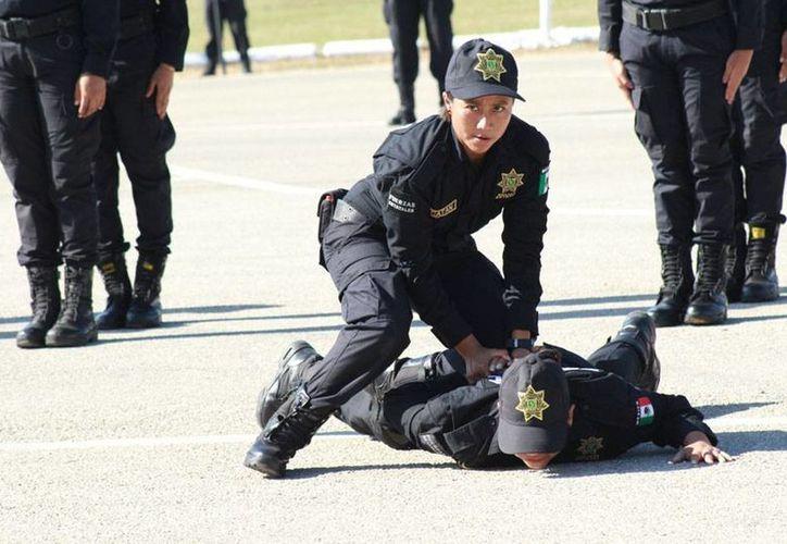 Las mujeres policías de Yucatán destacan en casi todas las áreas de los cuerpos de seguridad. (Cortesía)