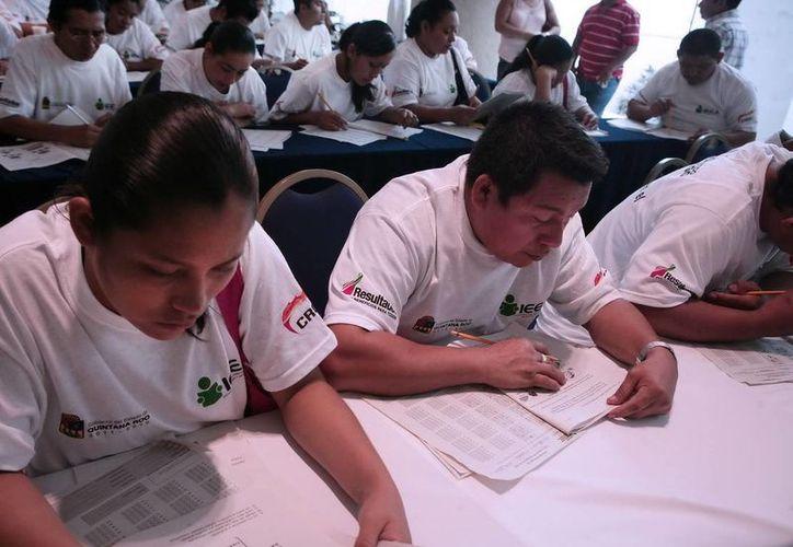 La meta inicial de este año es que dos mil 600 quintanarroenses salgan del analfabetismo. (Redacción/SIPSE)