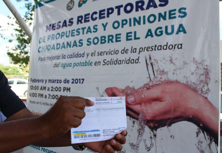 Los ciudadanos se quejan por los cobros injustificados. (Adrián Barreto/SIPSE)