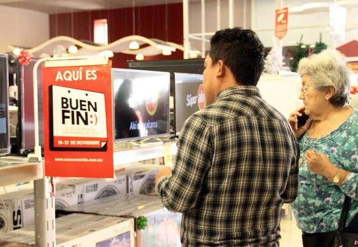 """Numerosos comercios preparan sus mercancías para """"El Buen Fin"""", que comienza el viernes. (Foto: Milenio Novedades)"""