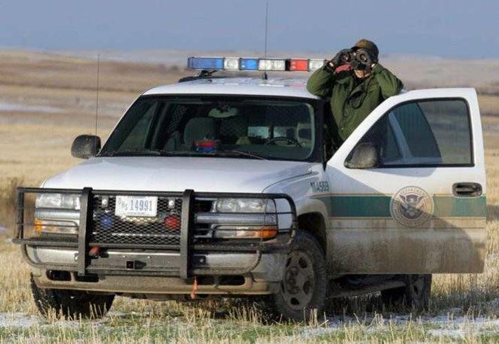 Con tal de ayudar a sus hermanos, un agente de la Patrulla Fronteriza de Estados Unidos ayudó a un cartel mexicano. (Foto tomada de excelsior.com.mx)