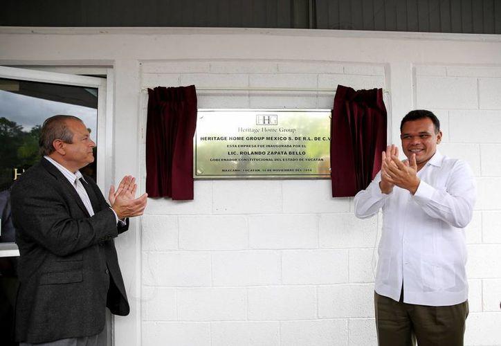 Entre sus actividades del miércoles, el gobernador Rolando Zapata Bello inauguró la maquiladora de Heritage Home Group México en el municipio de Maxcanú. (SIPSE)