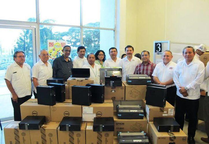 El personal de la Junta Local de Conciliación y Arbitraje recibió 30 computadores y cinco impresoras. (Milenio Novedades)
