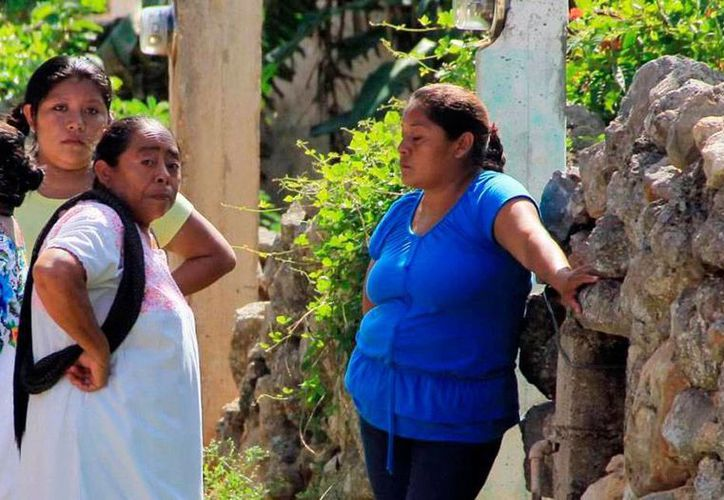 Según Coneval, sólo 5.3 por ciento de la población indígena está considerada como no pobre y no vulnerable. (SIPSE)