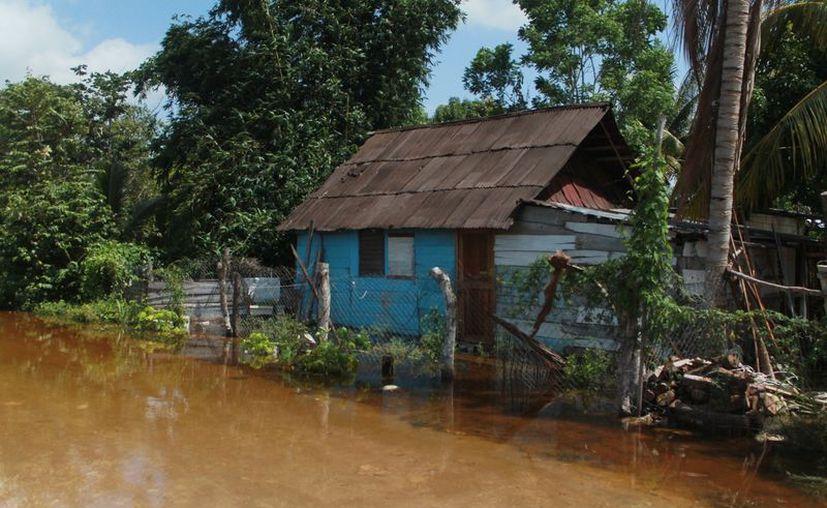 Las estaciones meteorológicas buscan alertar con anticipación a la población sobre la presencia de fenómenos climatológicos para prevenir tragedias.  (Javier Ortiz/SIPSE)