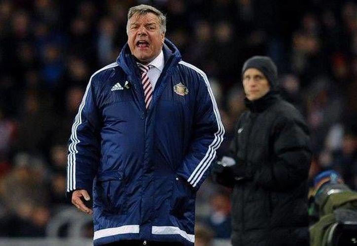 Sam Allardyce (en la foto) suplirá a Roy Hodgson como entrenador de la Selección de Inglaterra luego de la eliminación de este equipo en octavos de final de la Eurocopa  por obra de Islandia. (theguardian.com)