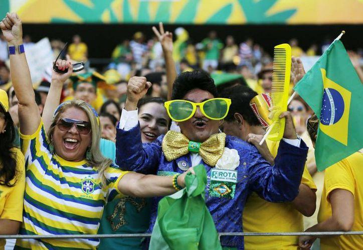 Los quintanarroenses deben tener cuidado a la hora de adquirir boletos para ir al Mundial de Fútbol Brasil 2014. (Foto de Contexto/eldiarioglobal.com)