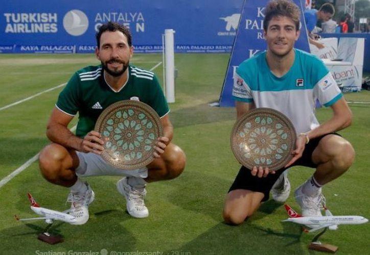 Santiago y Marcelo se esforzaron por 95 minutos para imponerse. (Twitter)