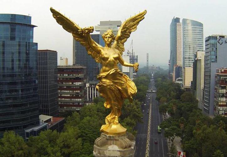 La Constitución de la Ciudad de México, además de dar certeza jurídica a los capitalinos, les garantiza derechos que no estaban establecidos en algún documento oficial. (artha.com.mx)