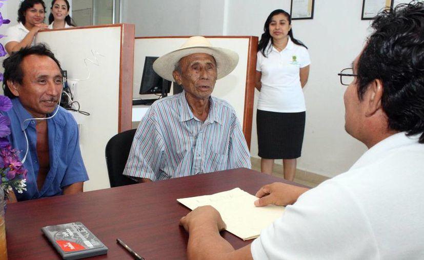 Los peritos intérpretes han apoyado a la población mayahablante. (SIPSE)