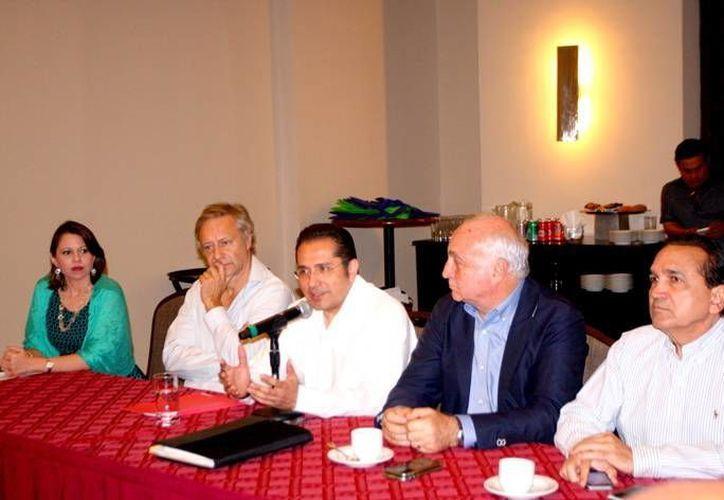 Reunión de empresarios italianos y yucatecos. (Milenio Novedades)