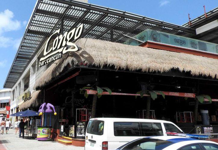 La medida no aplicará para las tiendas de conveniencia y establecimientos de la Zona Hotelera. (Redacción/ SIPSE)
