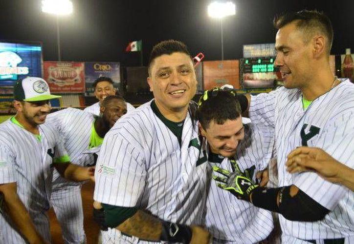 Leones llegó a once series ganadas por barrida, después de 'limpiar' a Broncos de Reynosa, en días pasados.(Foto tomada de leones.mx)