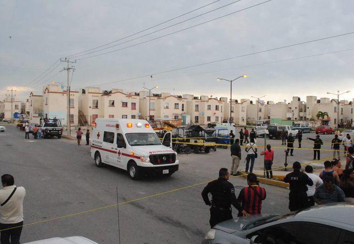Una persona fue ejecutada en el fraccionamiento Villas Otoch Paraíso ayer por la tarde. (Redacción/SIPSE)