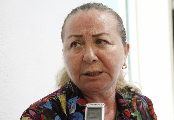Rosa María de Guadalupe Navarrete Montero dijo que atendió a más de 30 generaciones en su trayectoria. (Tomás Álvarez/SIPSE)