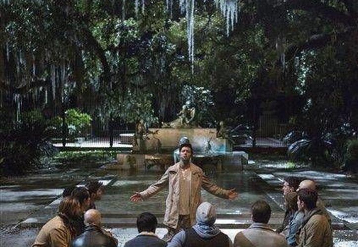 Jencarlos Canela, al fondo en el centro, interpreta a Jesús en el musical de dos horas que se transmitirá en vivo desde Nueva Orleans(AP)