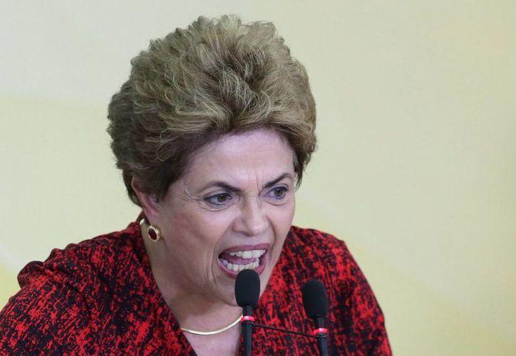 El Senado de Brasil desconoció la anulación de la Cámara de Diputados al proceso de juicio político contra Dilma Rousseff y anunció que la iniciativa será votada este miércoles. (AP)