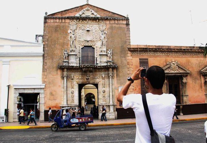 Impulsan programas para que visitantes aprecien el Centro Histórico. (Milenio Novedades)