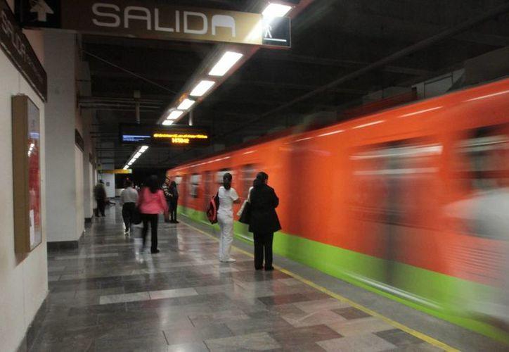 La SCT indica que los empresarios chinos interesados en invertir en el Metro tendrán que participar en una licitación, como cualquier otra empresa. (Archivo/Notimex)