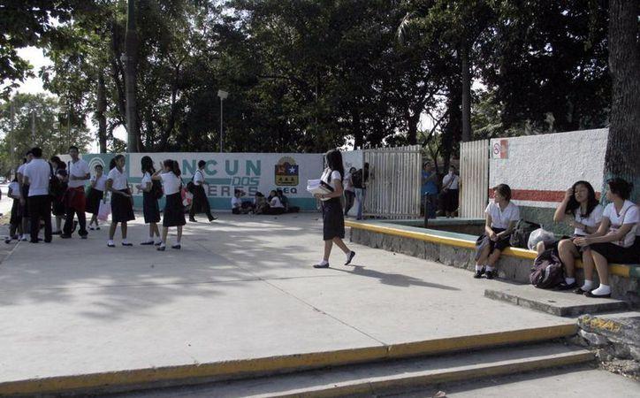 Invitan a los alumnos de bachillerato a que participen en la convocatoria. (Tomás Álvarez/SIPSE)