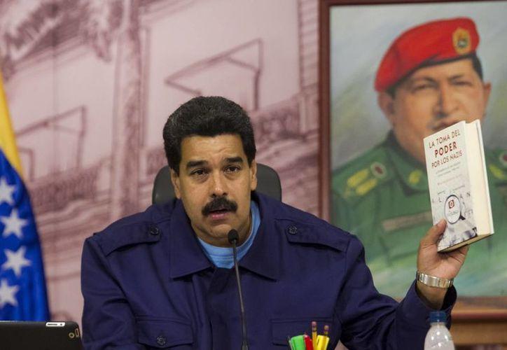 Nicolás Maduro dijo que Obama tiene la oportunidad de decidir qué hacer en el tiempo de gobierno que le queda. (EFE)