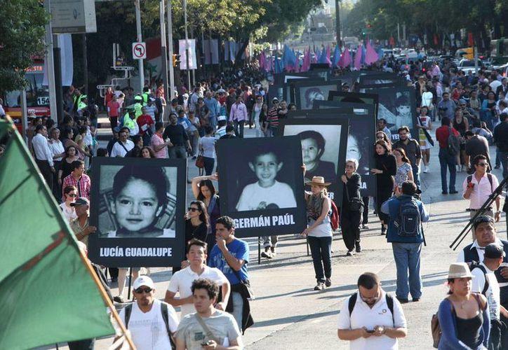 Manifestación en recuerdo de  las 49 víctimas fatales de la Guardería ABC, en Sonora. (proceso.com.mx)