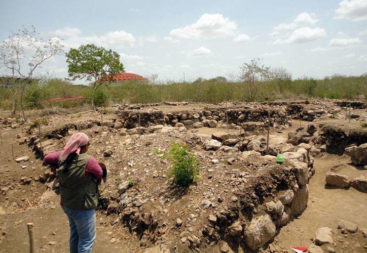 Los arqueológos creen que la zona de Dzoyilá pudo estar habitada incluso después de la llegada de los españoles a Yucatán. (Archivo/SIPSE)