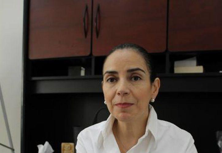 La rectora, Blanca Conde Juaristi, enfatizó la importancia de la asistencia de la gente. (Adrián Monroy/SIPSE)