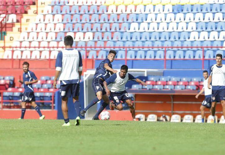 Los jugadores se mantuvieron entrenando durante la semana. (Raúl Caballero/SIPSE)