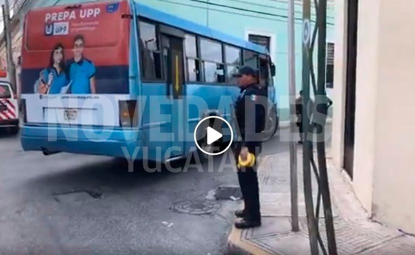 La Policía impidió el paso de los medios de comunicación al sitio del accidente. (Novedades Yucatán)