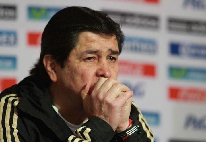 Tena, entrenador que obtuvo con el Tri la medalla de oro en las Olimpiadas de Londres, fue cesado tras perder 0-2 ante EU en eliminatorias. (Agencias)