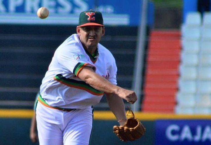 Este domingo Yoanner Negrín se convirtió en el primer pítcher en la  organización melenuda en ganar cuatro juegos de 1-0 en una misma temporada. (Leones de Yucatán)