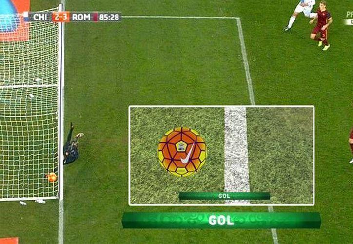 Simone Pepe hizo historia pues un gol suyo fue el primero en la historia de la Liga de Italia dado por bueno gracias a la tecnología 'Ojo de Halcón'. (sport.es)