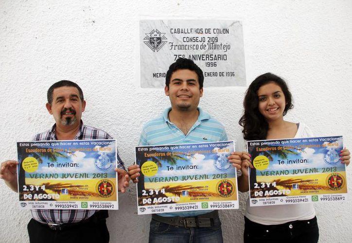 """Presentan cartel de promoción del evento """"Verano Juvenil"""". (Juan Carlos Albornoz/SIPSE)"""