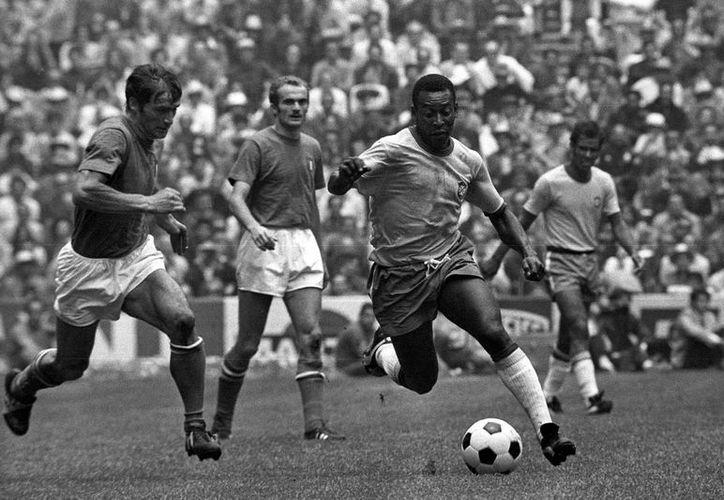 Pelé ha vivido por lo menos los últimos 30 años con un solo riñón, pero él no quería que se supiera. (espndeporteshouston.com)