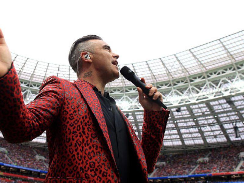 La inesperada reacción del cantante Robbie Williams durante la inauguración de Rusia 2018, fue transmitida a millones de televidentes alrededor del mundo. (Foto: Agencias)