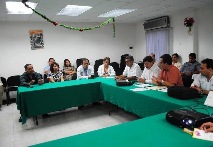 Luego del evento los trabajadores de la salud participaron en un curso de capacitación y actualización sobre infecciones gastrointestinales, signos y síntomas. (Redacción/SIPSE)