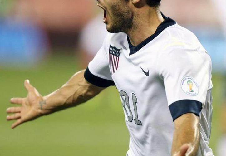 Ante la negativa de Klinsmann de convocar a Donovan al Mundial, el veterano delantero marcó un gol. (EFE)